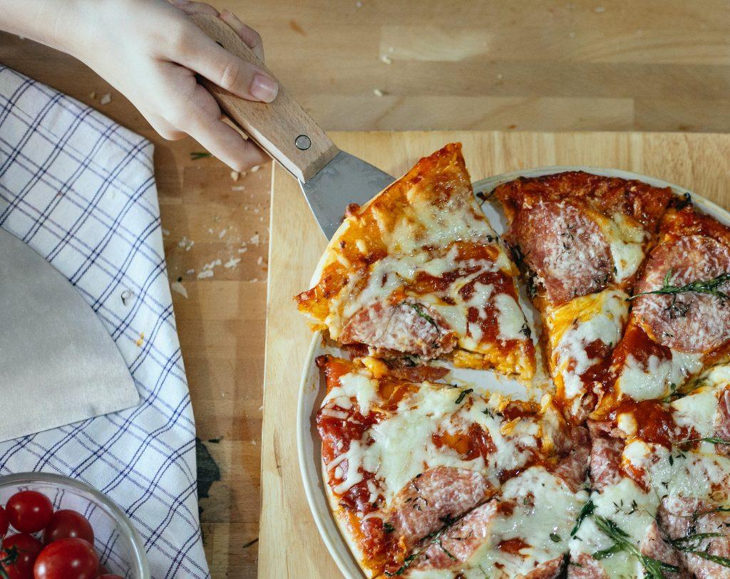 Pizza cétogène  aux trois (ou quatre ou cinq) fromages