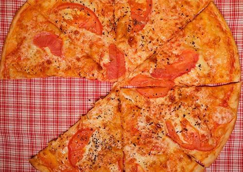 croûte Pizza Keto Vegan  : Faible teneur en glucides sans œufs et sans fromage!